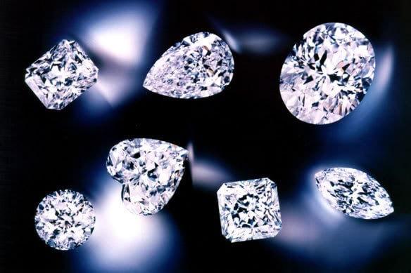 Khám phá các loại đá đính răng bền đẹp hàng đầu hiện nay