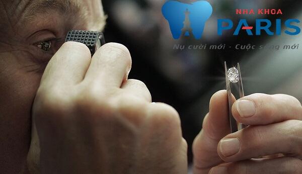 Tìm hiểu về giá kim cương nhân tạo gắn răng? 2