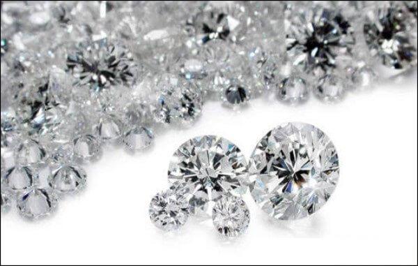 Tìm hiểu về giá kim cương nhân tạo gắn răng? 1