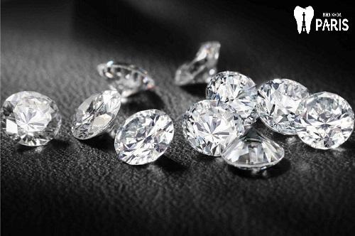 """Đính kim cương trên răng với 4 lưu ý đảm bảo """"Thẩm Mỹ Bền Đẹp"""" 6"""
