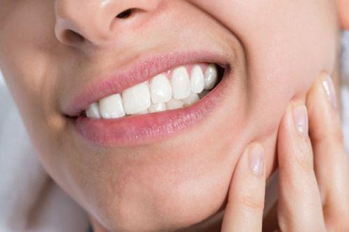 Có nên tháo đá đính răng tại nhà hay không? [Chia sẻ kiến thức] 3